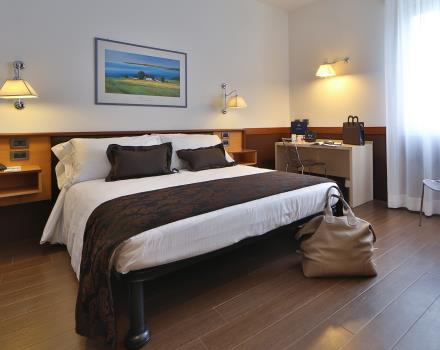 Discover the comfort of our rooms, including free Wi-Fi: Book now Hotel Biri!
