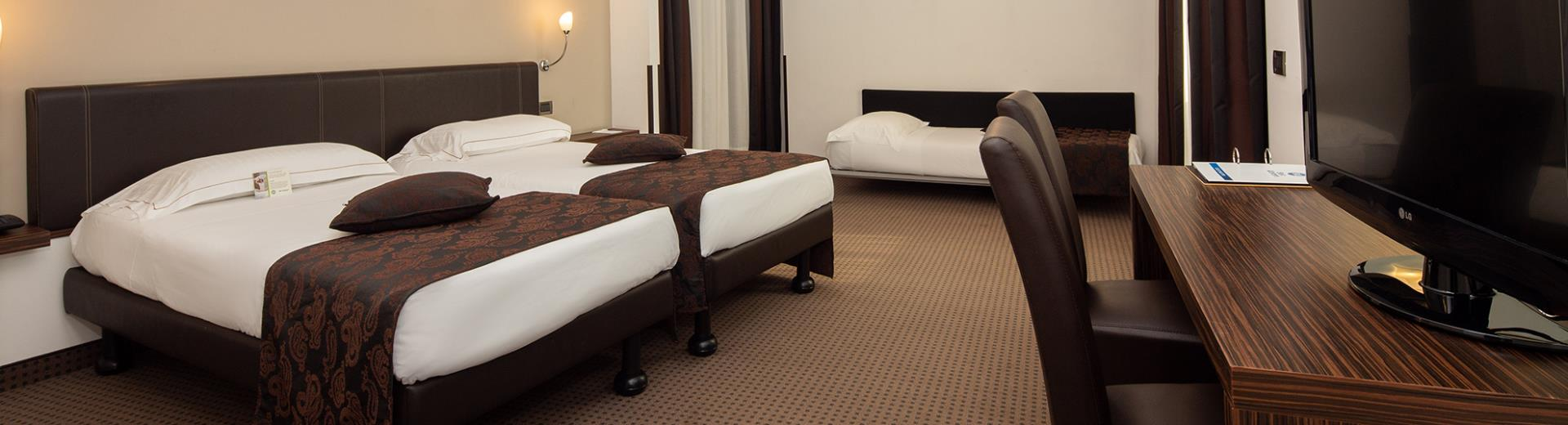 If you''re traveling with friends, choose the Triple Rooms of Hotel Biri, modern 4-star in Padua!