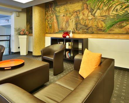Relax in our Lounge Bar after a busy day: Best Western Hotel Biri, 4-star in Padua, is also perfect for a drink!