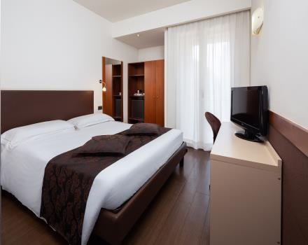 Perfect even for business travelers, our Single Rooms welcome you with all their comfort: book Hotel Biri, 4 stars in Padua!