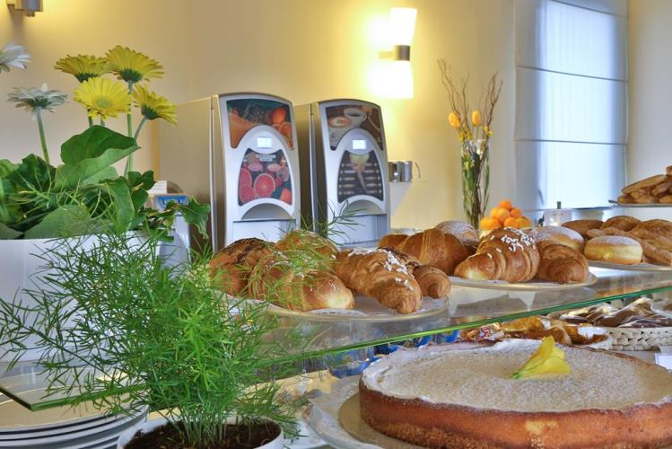 Breakfast buffet in Padua